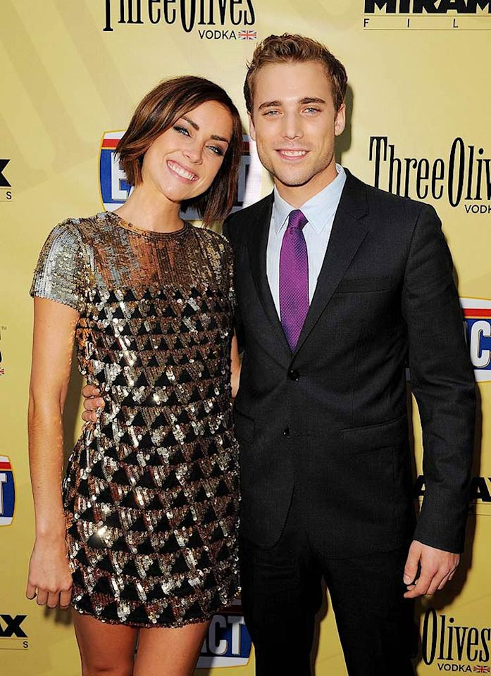 """<a href=""""http://movies.yahoo.com/movie/contributor/1809768688"""">Jessica Stroup</a> and <a href=""""http://movies.yahoo.com/movie/contributor/1808588488"""">Dustin Milligan</a> arrive at the Los Angeles premiere of <a href=""""http://movies.yahoo.com/movie/1810039594/info"""">Extract</a> - 08/24/2009"""