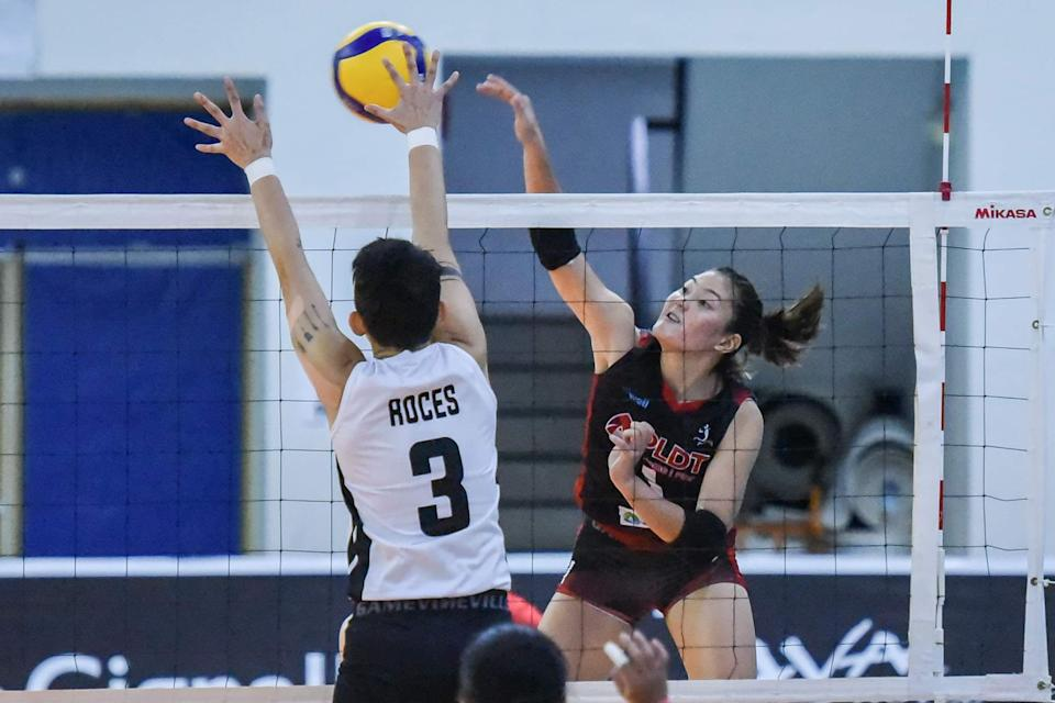 Isa Molde steerd PLDT past Perlas for its breakthrough win in the 2021 Premier Volleyball League (PVL) Open Conference. (Photo: PVL Media Bureau)