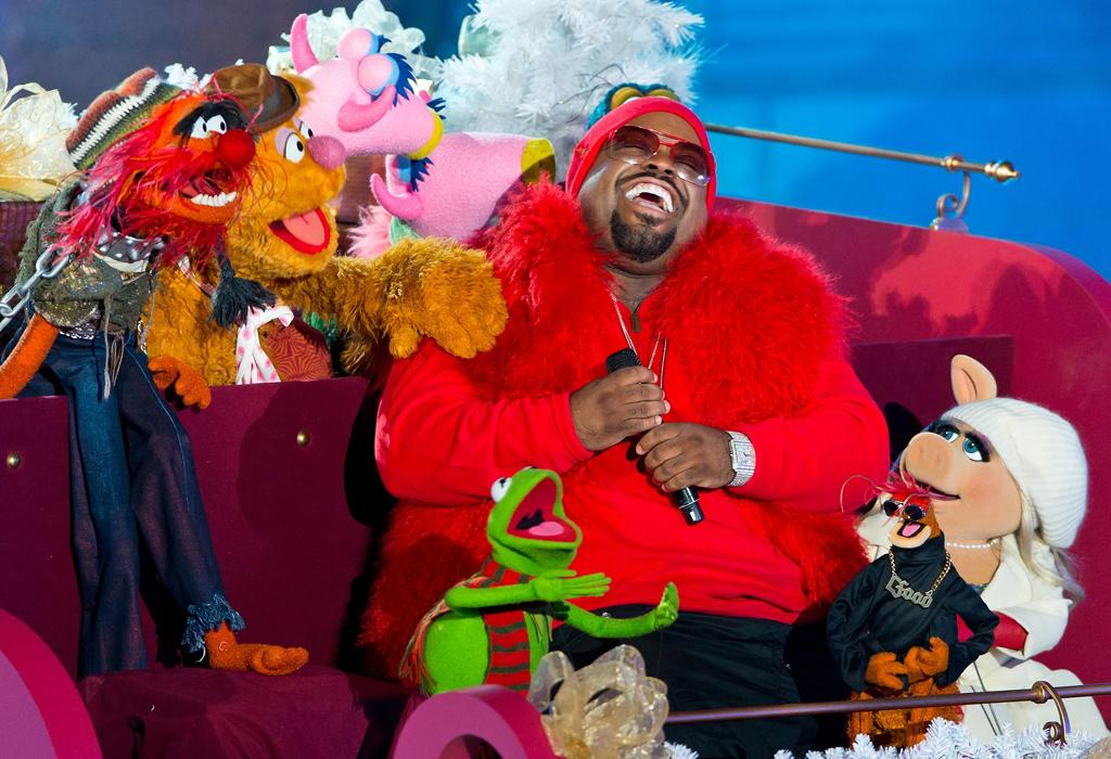 NEW YORK, NY - NOVEMBER 28: Singer Cee Lo Green performs with the Muppet characters at the 80th annual Rockefeller Center Christmas Tree Lighting at Rockefeller Center on November 28, 2012 in New York City. (Photo by Gilbert Carrasquillo/FilmMagic)