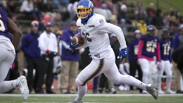 South Dakota State tight end Dallas Goedert during the 1st half of an NCAA football game against Western Illinois, Saturday, Oct. 28, 2017, in Macomb, Ill. (AP Photo/Daryl Wilson)