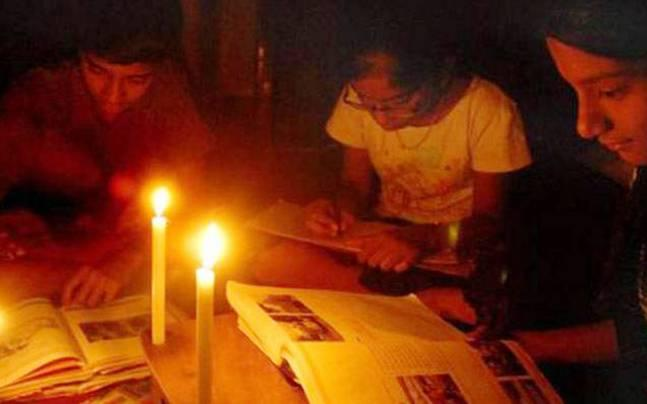 Chennai reels under 7-hour power cut; blame game begins