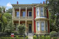"""<p>If Southern charm is what you're after, look no further than <a href=""""http://www.neworleanscvb.com/visit/neighborhoods/garden-district/"""" rel=""""nofollow noopener"""" target=""""_blank"""" data-ylk=""""slk:the Garden District of New Orleans"""" class=""""link rapid-noclick-resp"""">the Garden District of New Orleans</a>. In this gorgeous neighborhood, classically constructed mansions and lush green gardens line the streets. You might even recognize a house or two from a movie you love — the Garden District has been featured in a number of films including <em>The Curious Case of Benjamin Button</em> starring Brad Pitt. </p>"""