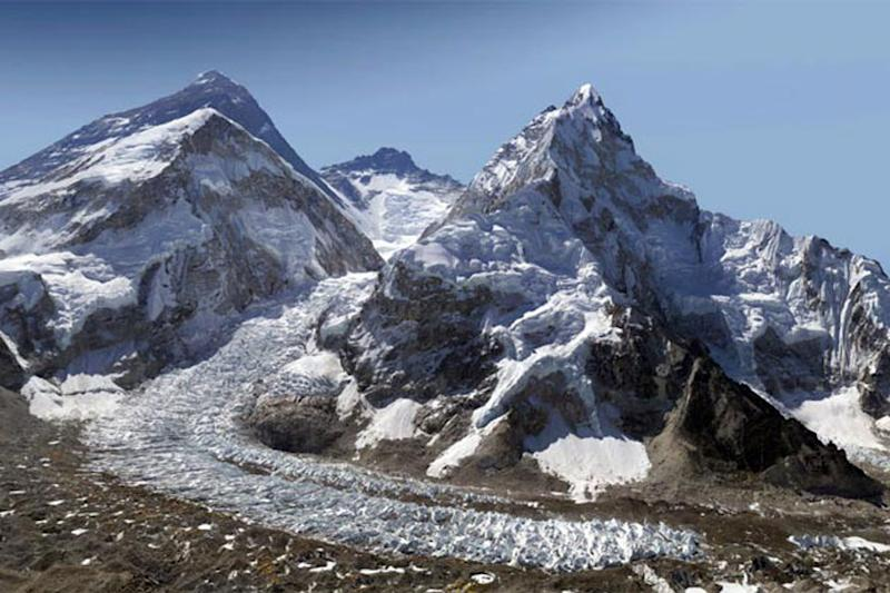 China to Build Eco-Friendly Toilet on Mount Everest