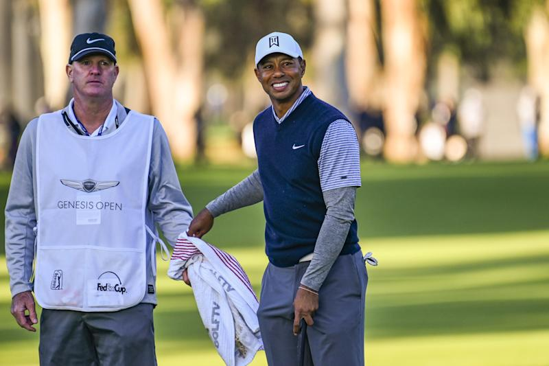 Tiger Woods makes cut at Genesis Open