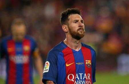 FILE PHOTO: Football Soccer - FC Barcelona v Eibar - Spanish Liga Santander - Nou Camp, Barcelona, Spain - 21/5/17 Barcelona's Lionel Messi looks dejected after the match Reuters / Albert Gea
