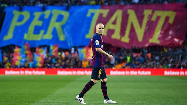 Philippe Coutinho scored a stunning goal as Barcelona marked Andres Iniesta's final game for the club with victory over Real Sociedad.
