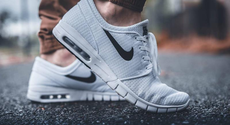 Best trainer deals in Nike's end of season sale. (Unsplash)