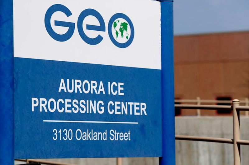 This 2017 photo shows the entrance to the GEO Group's immigrant detention facility in Aurora, Colo. U.S. immigration authorities say more than 2,200 people exposed to a mumps outbreak in at least two detention facilities have been quarantined. (Photo: David Zalubowski/AP)