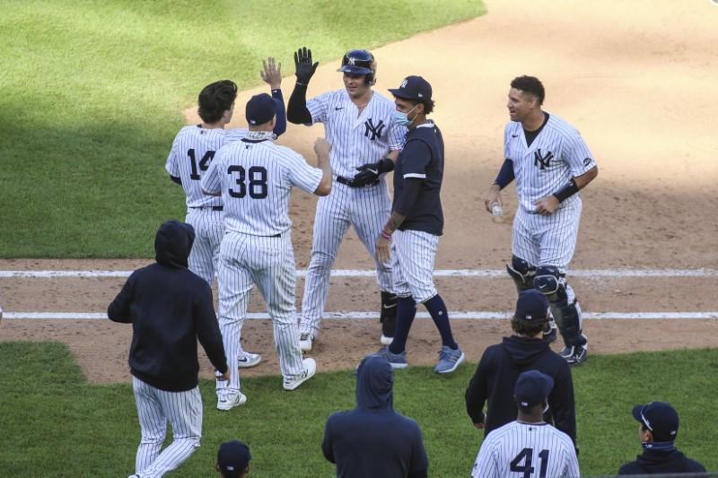 Yankees complete four-game sweep of sinking Orioles