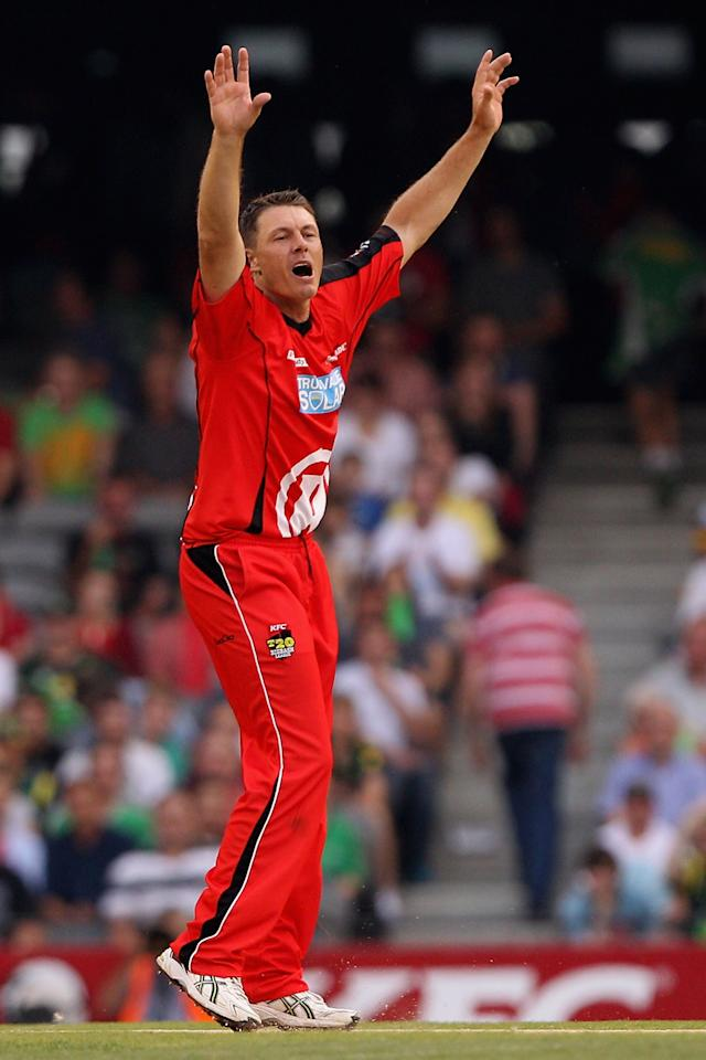 MELBOURNE, AUSTRALIA - DECEMBER 07:  Darren Pattinson of the Renegades appeals unsuccessfully during the Big Bash League match between the Melbourne Renegades and the Melbourne Stars at Etihad Stadium on December 7, 2012 in Melbourne, Australia.  (Photo by Robert Prezioso/Getty Images)