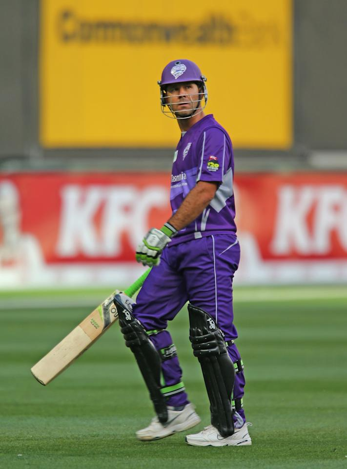 MELBOURNE, AUSTRALIA - DECEMBER 15:  Ricky Ponting of the Hurricanes leaves the field after being dismissed during the Big Bash League match  between the Melbourne Stars and the Hobart Hurricanes at the Melbourne Cricket Ground on December 15, 2012 in Melbourne, Australia.  (Photo by Scott Barbour/Getty Images)