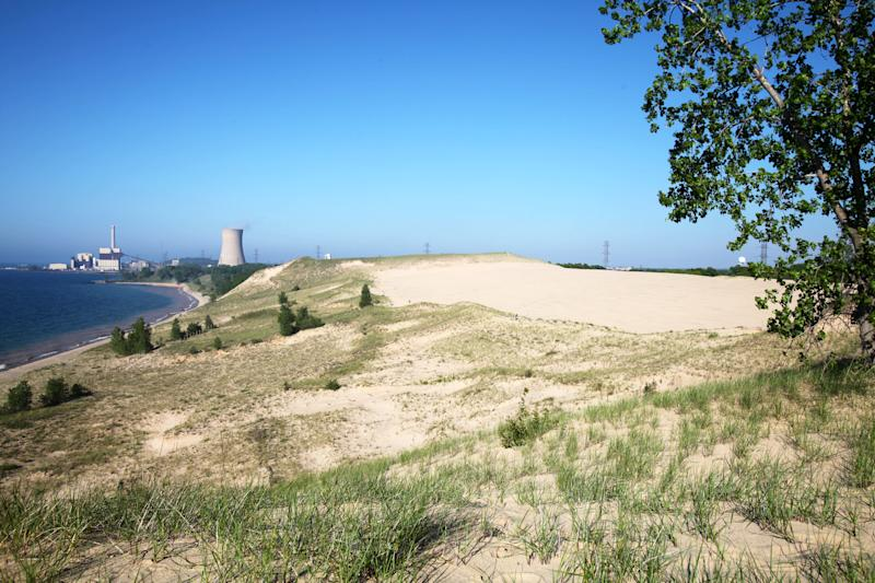 Indiana Dunes: You can see Chicago – and a power plant – from beach at new national park