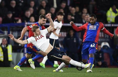 Britain Soccer Football - Crystal Palace v Tottenham Hotspur - Premier League - Selhurst Park - 26/4/17 Crystal Palace's Jason Puncheon in action with Tottenham's Eric Dier Reuters / Dylan Martinez Livepic