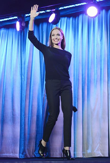"""Angelina Jolie: Daughter Vivienne """"Was The Only 4-Year-Old Who Didn't Scream When She Saw Me"""" In Maleficent Costume"""