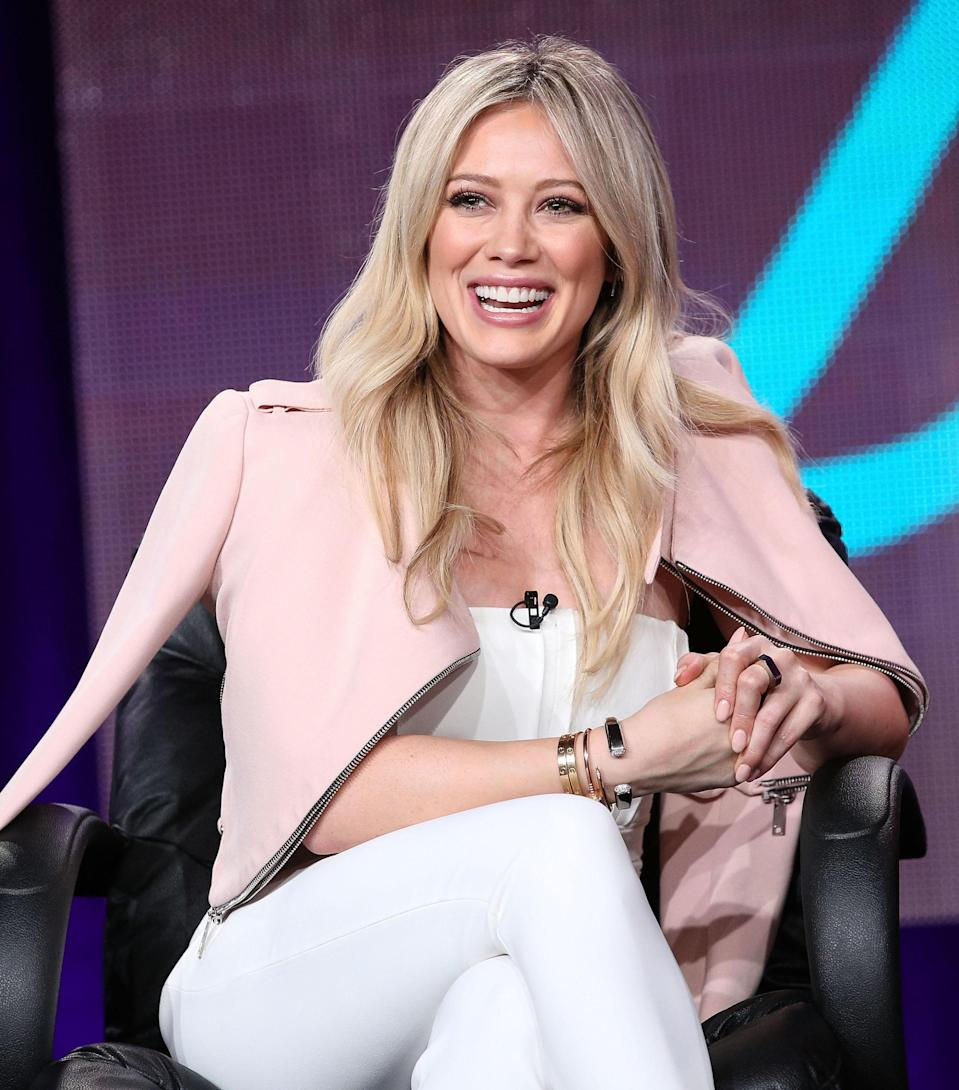 """<p>Duff generally sticks to a very healthy diet but she still fully embraces the occasional cheat meal. Often, <span>she picks lunchtime to indulge. """"I'll usually eat a salad and possibly some french fries<span>,""""<a href=""""http://www.usmagazine.com/celebrity-moms/news/hilary-duff-reveals-her-cheat-food-w436208"""" rel=""""nofollow noopener"""" target=""""_blank"""" data-ylk=""""slk:Duff told Us"""" class=""""link rapid-noclick-resp"""">Duff told <em>Us</em></a>. """"Gotta be a little naughty!<span>"""" #Truth.</span></span></span></p>"""