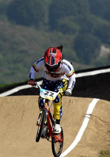 Colombian Mariana Pajon competes in the final of the Cycling BMX event of the Guadalajara 2011 XVI Pan American Games in Guadalajara, Mexico, on October 21, 2011. AFP PHOTO/Hector Guerrero