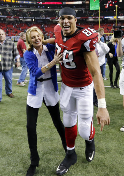 Atlanta Falcons tight end Tony Gonzalez (88) walks off the field after the second half of an NFC divisional playoff NFL football game against the Seattle Seahawks Sunday, Jan. 13, 2013, in Atlanta. The Falcons won 30-28. (AP Photo/John Bazemore)