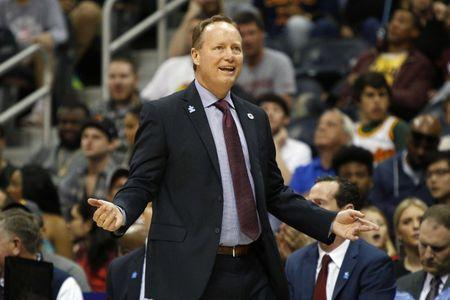 Apr 1, 2016; Atlanta, GA, USA; Atlanta Hawks head coach Mike Budenholzer shows emotion against the Cleveland Cavaliers in the first quarter at Philips Arena. Mandatory Credit: Brett Davis-USA TODAY Sports