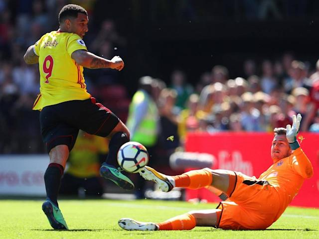 Roberto Pereyra and Andre Gray ease pressure on Javi Gracia as Watford overcome below-par Newcastle