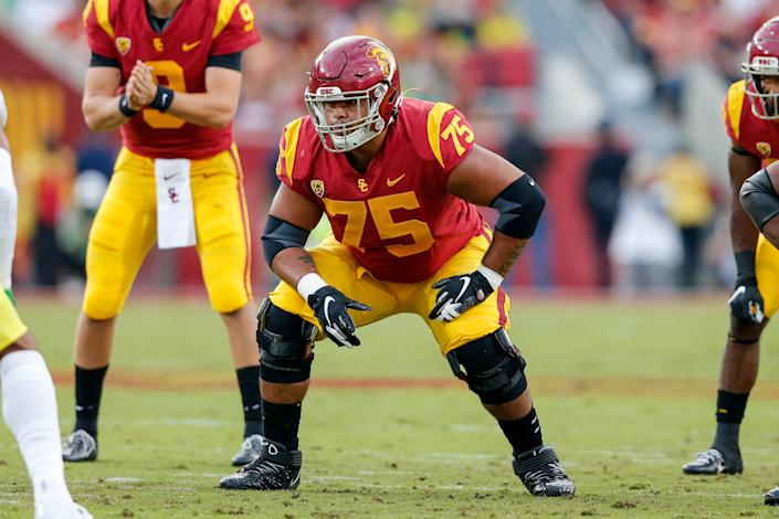 USC Trojans guard Alijah Vera-Tucker (75) waits for the snap during a college football game against Oregon on Nov. 02, 2019. (Jordon Kelly/Icon Sportswire via Getty Images)