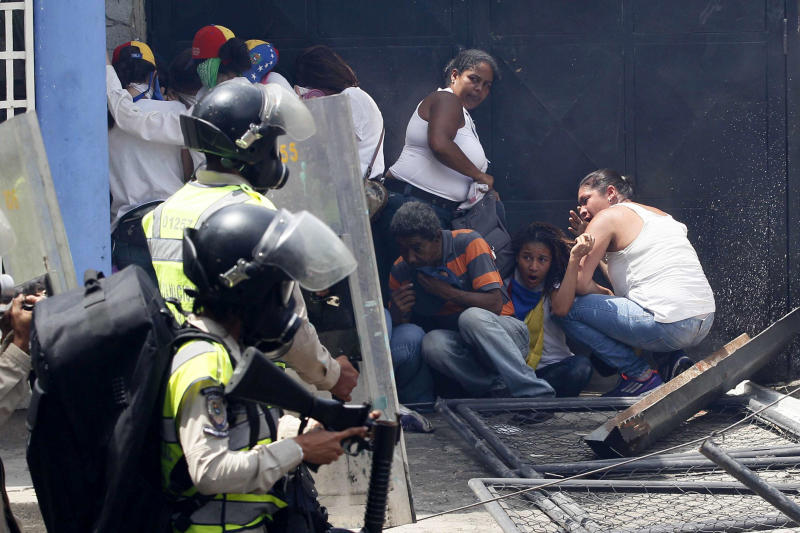 Venezuela: 3 killed in massive anti-Maduro protest