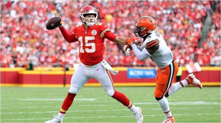 Patrick Mahomes ante Cleveland Browns (Foto: Getty)