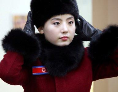 Members of North Korean cheering squad look at themselves in a mirror at a ladies' room at an expressway service area in Gapyeong, South Korea, February 7, 2018. Yonhap via REUTERS ATTENTION EDITORS - THIS IMAGE HAS BEEN SUPPLIED BY A THIRD PARTY. SOUTH KOREA OUT. NO RESALES. NO ARCHIVE.