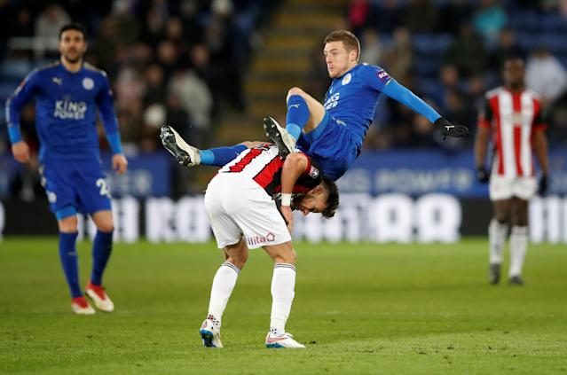 Soccer Football - FA Cup Fifth Round - Leicester City vs Sheffield United - King Power Stadium, Leicester, Britain - February 16, 2018 Leicester City's Jamie Vardy in action with Sheffield United's George Baldock Action Images via Reuters/Carl Recine