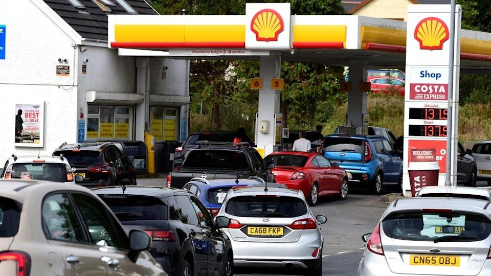 Cars queue up at a petrol station, Begelly, Pembrokeshire, Wales 24/9/21