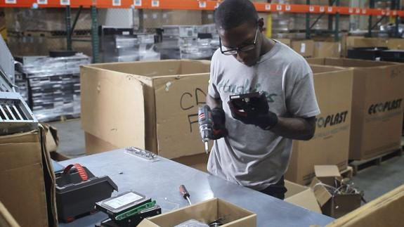 This company is employing former inmates to create e-waste ...
