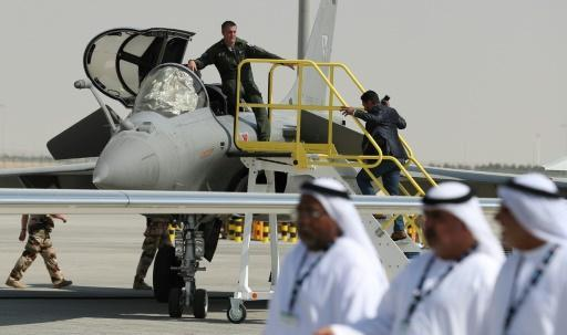 <p>Qatar, France sign $1bn fighter jet deal amid Gulf crisis</p>