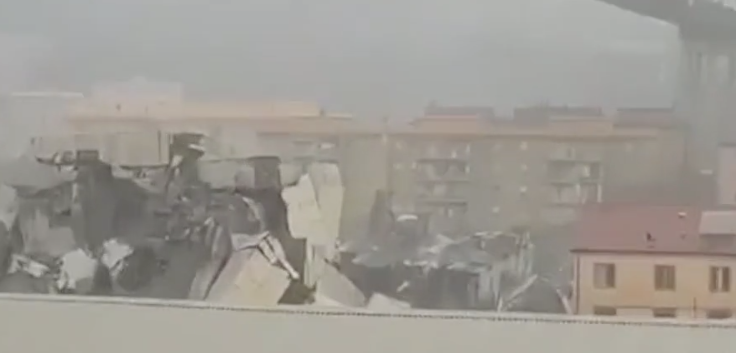 Eyewitness footage shows the remains of the collapsed bridge in Genoa. (Facebook/sosemergenza)
