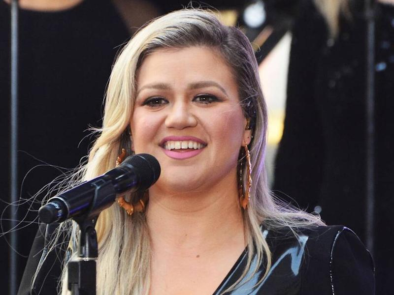 Kelly Clarkson won't be 'truly open' about divorce to protect kids