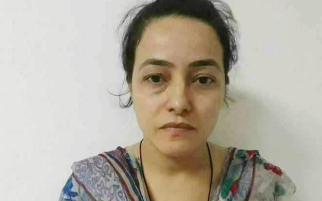 <p>Honeypreet's meeting with her family members inside the jail lasted for nearly 35 minutes. </p>