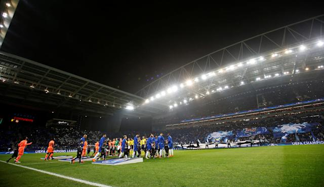 Soccer Football - Champions League Round of 16 First Leg - FC Porto vs Liverpool - Estadio do Dragao, Porto, Portugal - February 14, 2018 General view of both teams and officials walking out before the match Action Images via Reuters/Matthew Childs