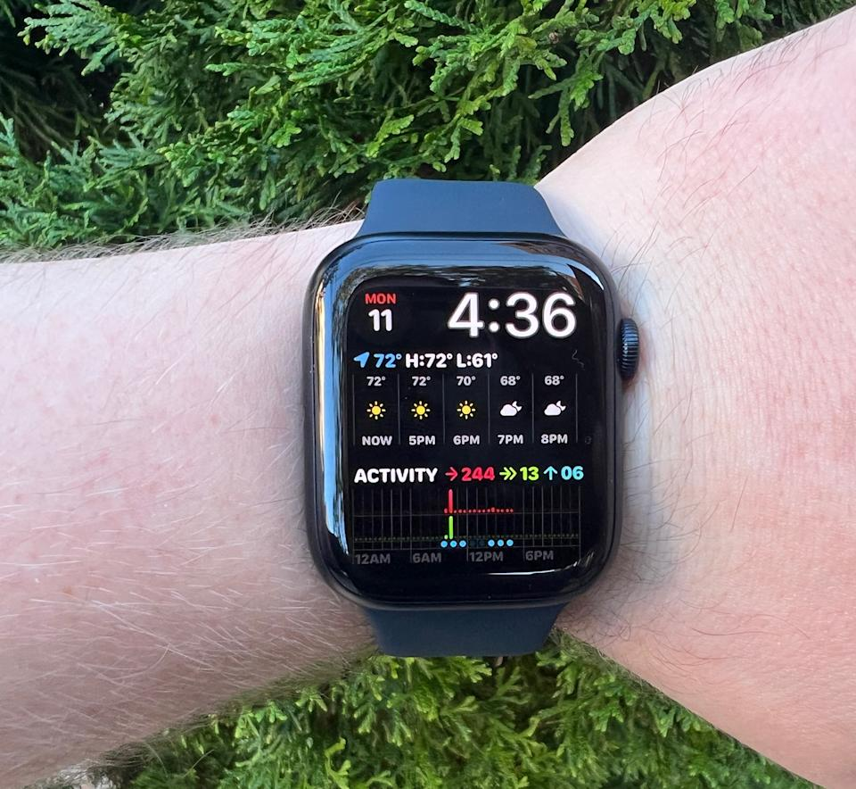 The Apple Watch Series 7 gets two new faces that take advantage of its larger display. (Image: Howley)