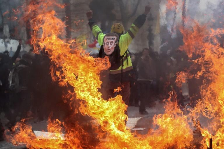 "The scenes of violence were reminiscent of the worst ""yellow vest"" riots in Paris in December"