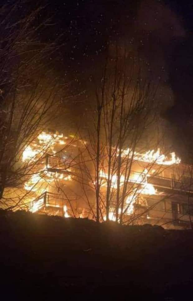 An apartment building in Castlegar has been left uninhabitable after a weekend fire.  (Submitted by Shirley Moase - image credit)