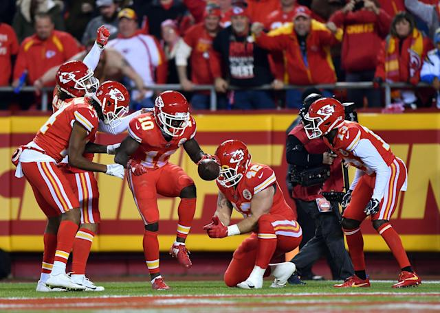 "<a class=""link rapid-noclick-resp"" href=""/nfl/players/29399/"" data-ylk=""slk:Tyreek Hill"">Tyreek Hill</a> got a tire change and some fuel after racing past the Chargers for a touchdown. (Getty)"