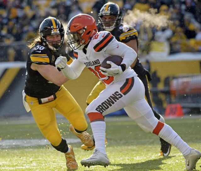 <p>Cleveland Browns running back Duke Johnson (29) carries the ball with Pittsburgh Steelers outside linebacker Anthony Chickillo (56) defending during the first half of an NFL football game in Pittsburgh, Sunday, Dec. 31, 2017. (AP Photo/Don Wright) </p>