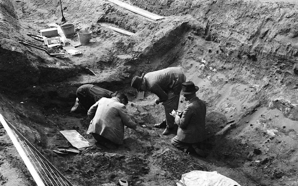 Archaeologists at work at Sutton Hoo in 1939 - Robert Bodman