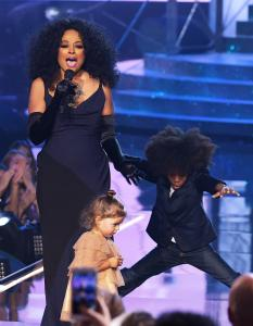 Diana Ross and her grandkids at 2017 AMAs