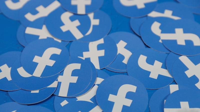 """Circular stickers with the Facebook """"F."""""""