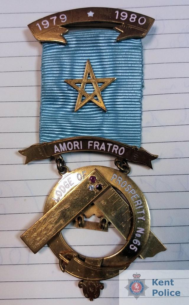 Stolen medal retireved more than 30 years after theft