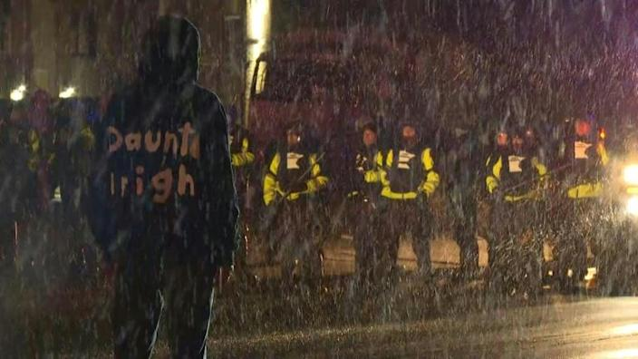 Protesters and police clash for third night over Daunte Wright police shooting