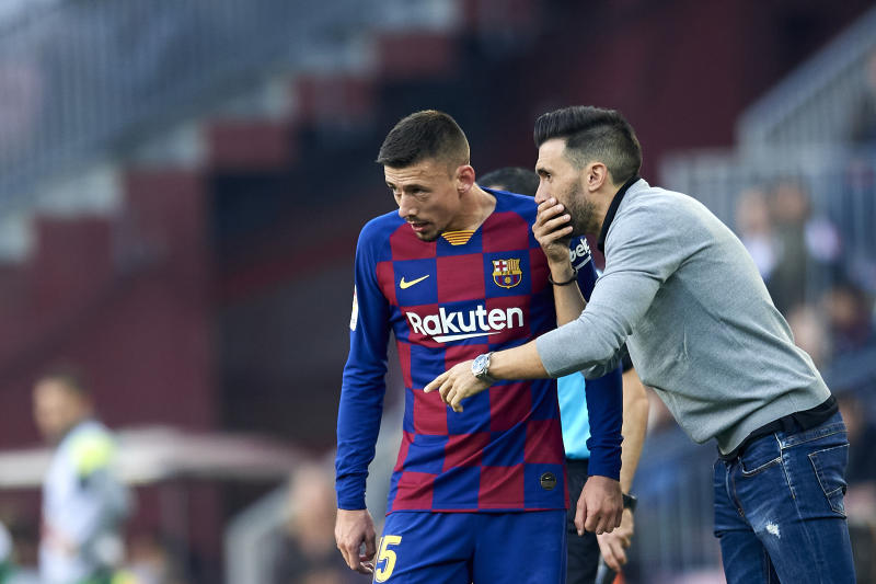 Clement Lenglet of Barcelona talking with Eder Sarabia during the Liga match between FC Barcelona and SD Eibar SAD at Camp Nou on February 22, 2020 in Barcelona, Spain. (Photo by Jose Breton/Pics Action/NurPhoto via Getty Images)