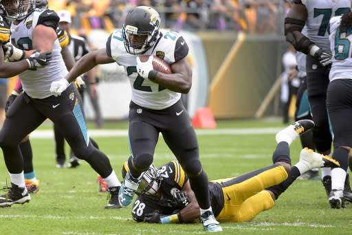 Jacksonville Jaguars running back Leonard Fournette beat the Steelers with strength, speed and athleticism, leaving little room to stop him. (AP Photo)