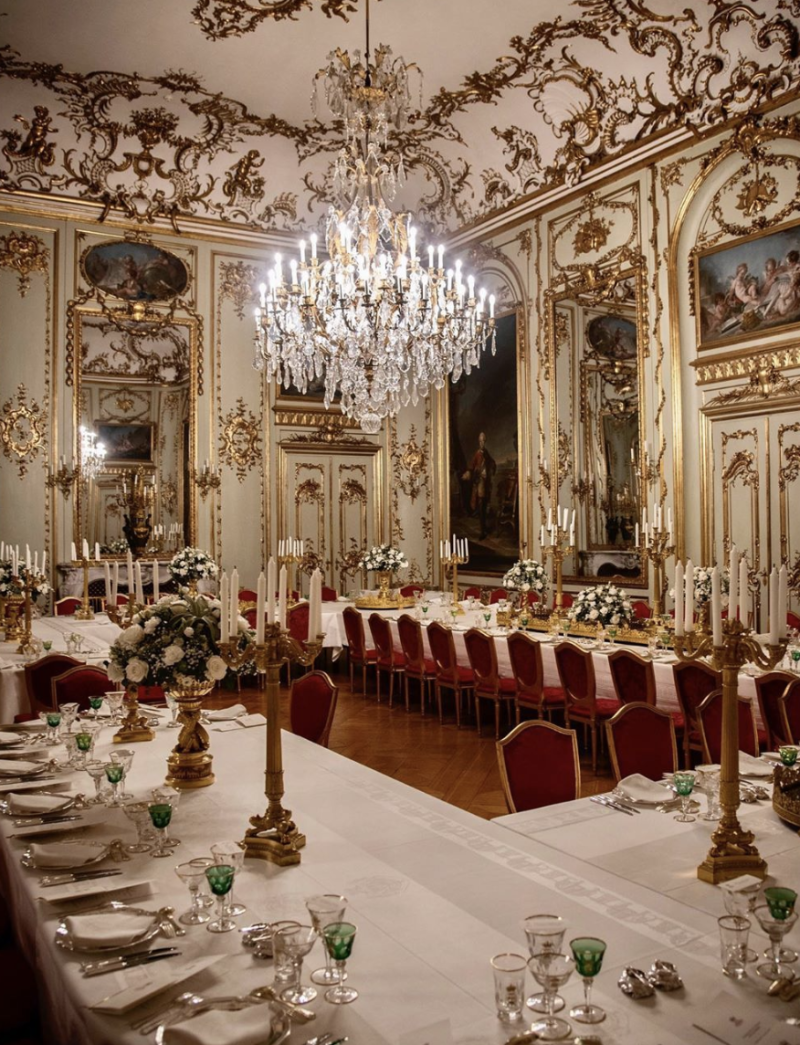 Copenhagen's Amalienborg Palace has been decked out for the traditional New Years Day dinner. Photo: Instagram/detdanskekongehu.