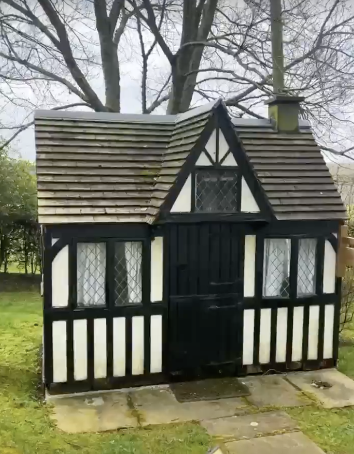 Stacey Solomon's new home has a replica Wendy House. (Instagram/Stacey Solomon)