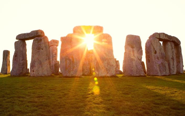 summer solstice 2021 when date what meaning longest day of the year - Jessicaphoto/E+